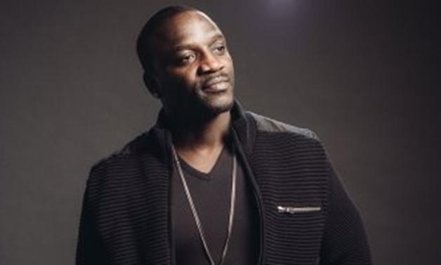 Akon in Marathi