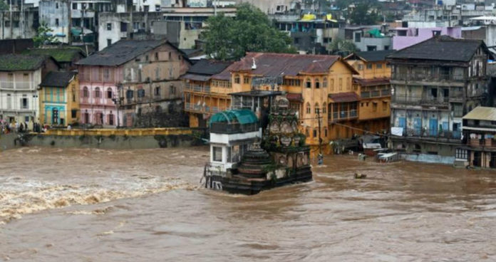 floods affects in kolhapur,satara and sangali